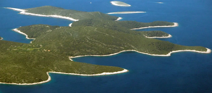 Island shapes in Croatia